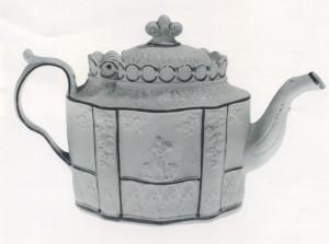 U985.15.84a-b Castleford Type Teapot c.1800 England